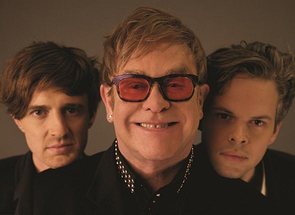Foto de Elton John Vs Pnau  número 50930