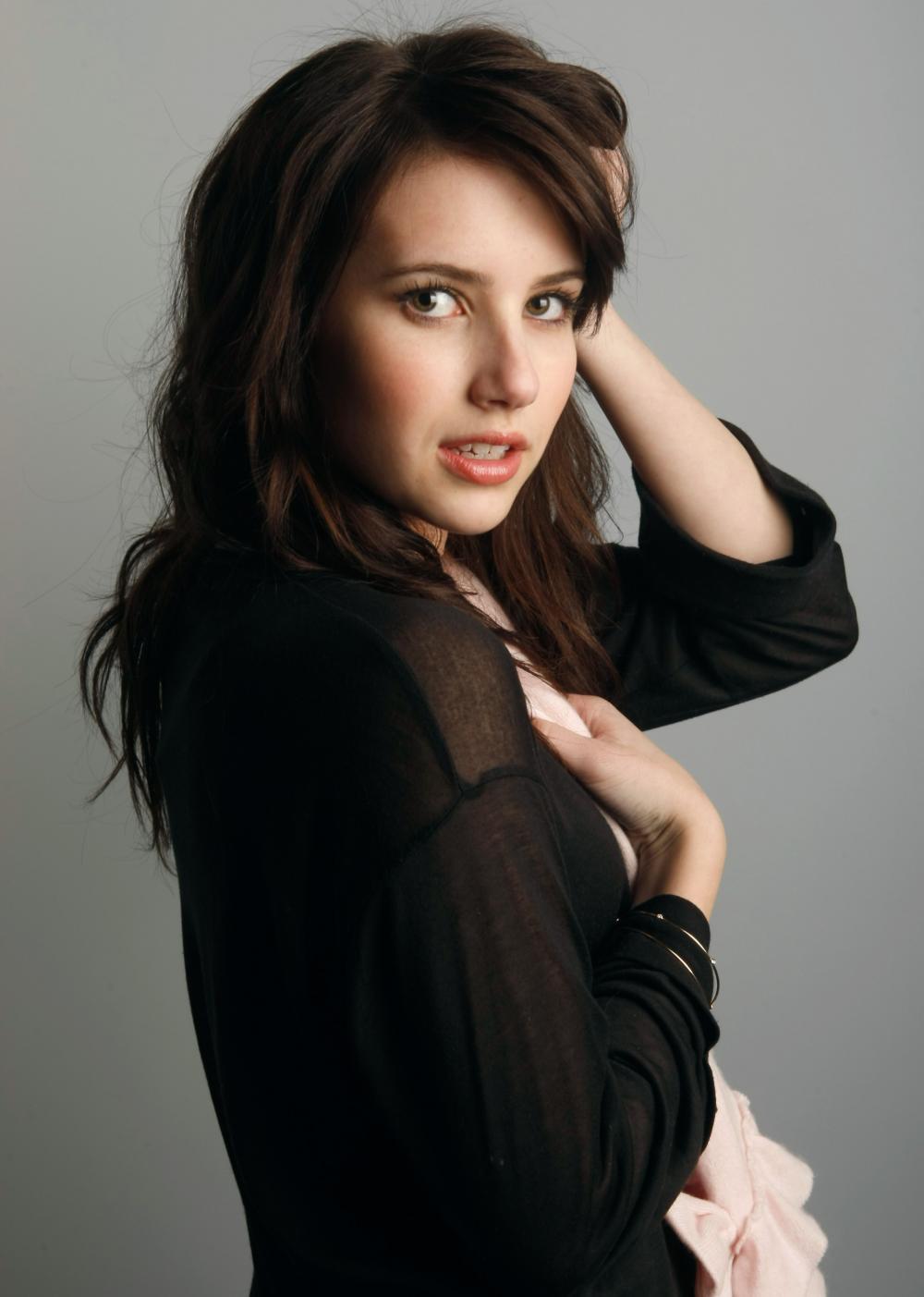 Dakota Williams (Ficha) Emma-roberts14819