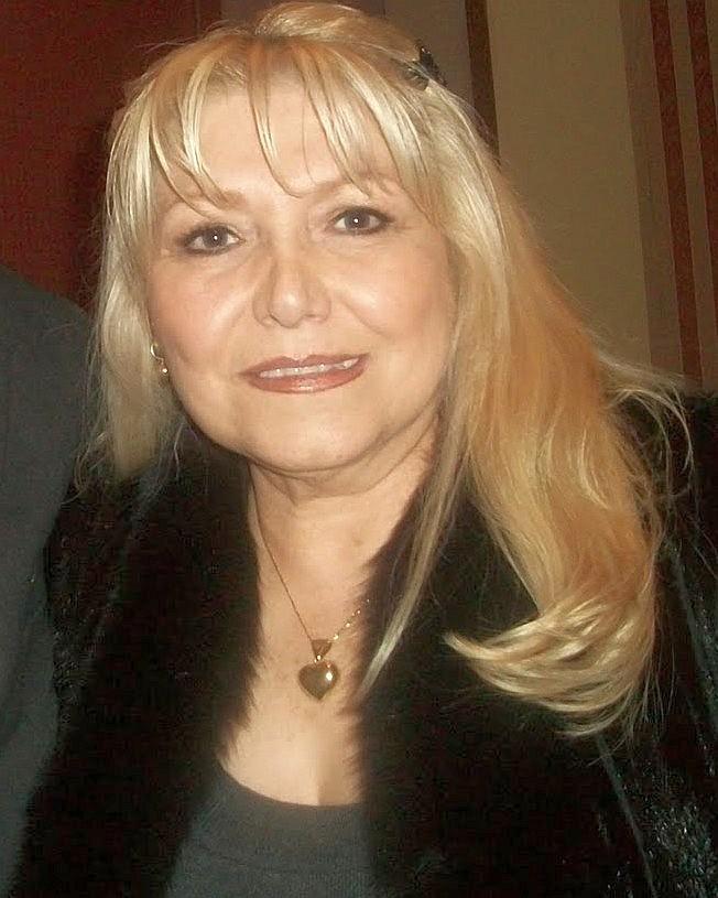 Foto de Estela Nuñez  número 44249