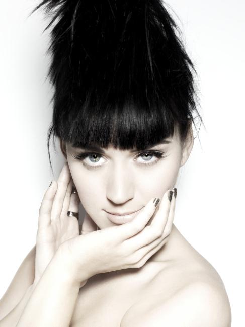 Foto de Katy Perry con peinado y sensual número 20646