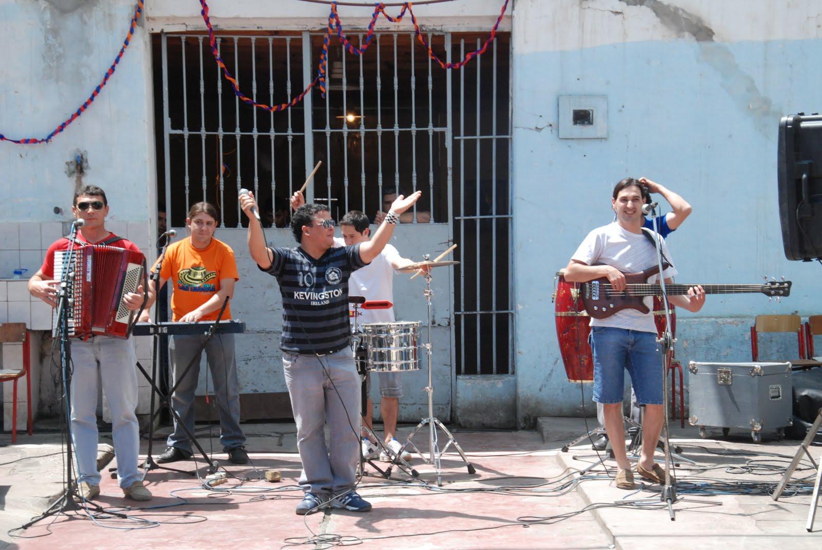 Foto de Los Lirios De Santa Fe  número 43510