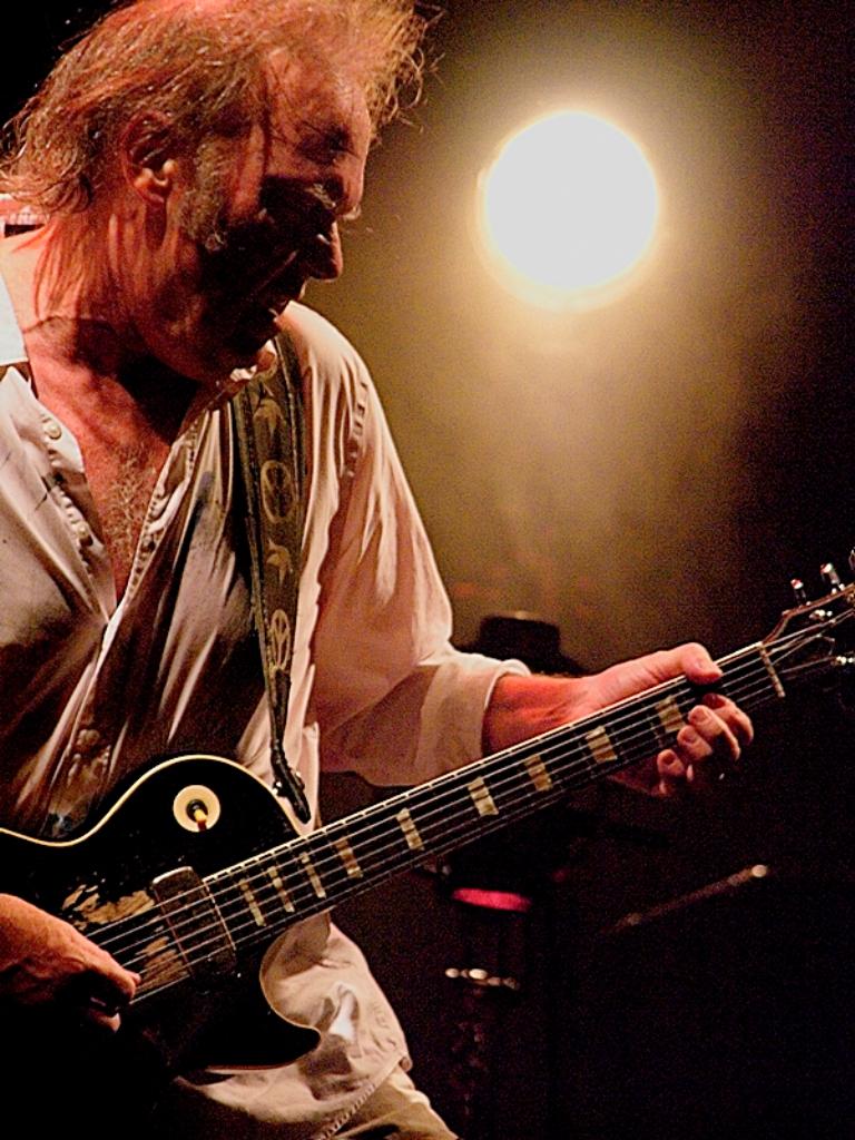 Foto de Neil Young & Crazy Horse  número 33830