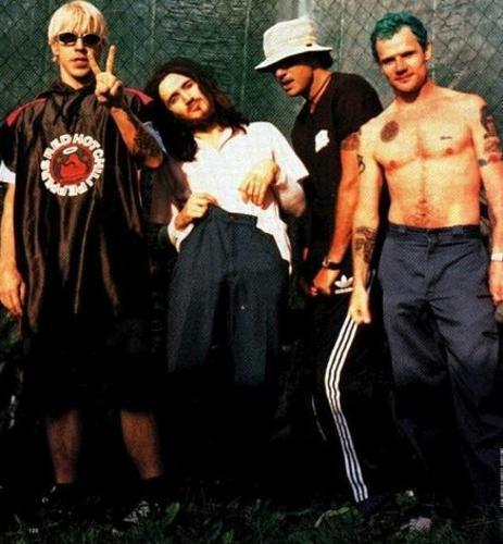 Foto de Red Hot Chili Peppers  número 5473