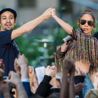 Foto de Jennifer Lopez & Lin-Manuel Miranda 80323