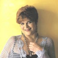 Biografía de Laura Canales