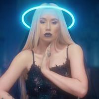 'Savior' mira el nuevo video de Iggy Azalea