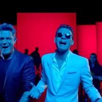 Alejandro Sanz con Marc Anthony en 'Deja que te bese'