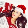Ariana Grande canta a la Navidad 'Santa Tell me'