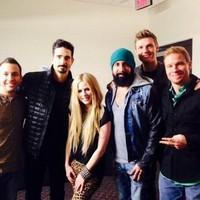 Avril Lavigne con B.S.B de gira por U.S.A