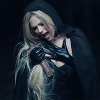 Avril Lavigne se enamora del diablo en su nuevo video