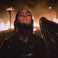 Billie Eilish un angel caído en el video protesta 'All the good girls go to hell'