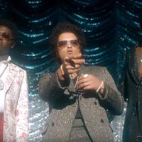Brillante video de Gucci con Bruno Mars en 'Wake up in the Sky'