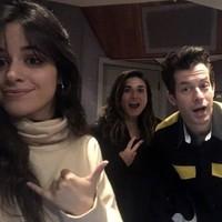 Camila Cabello en el estudio con Mark Ronson