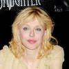 Courtney Love roba en una joyería