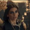 Dua Lipa es 'Alita' en el video 'Swan Song'