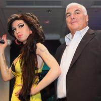 El padre de Amy Winehouse lanza un disco