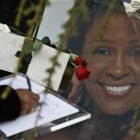 El último adiós a Whitney Houston en su funeral en Nueva Jersey
