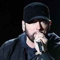 Eminem sorprende en los Oscar con '8 Millas'