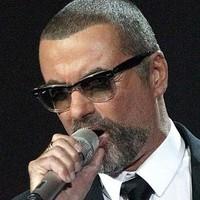 George Michael arrasa en UK con 'Symphonica'