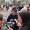 Justin Bieber se falta con una fan australiana