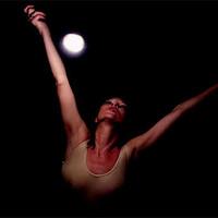Kate Mos en el nuevo video de Massive Attack
