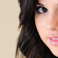 Katy Perry echa una mano a Selena Gomez