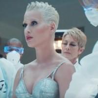 Katy Perry es el robot de Zed en el video de '365'