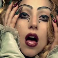 Lady Gaga es acusada de estafa por sus pulseras