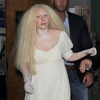 Lady Gaga Estrena Venus Y Se Desnuda En Londres