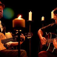 Luis Fonsi con Juan Luis Guerra en el video 'Llegaste tú'