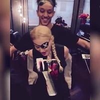 Madonna con su bailarin de 25 años Ahlamalik Williams