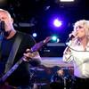 Miley Cyrus junto a Metallica en una poderosa versión en vivo de un hit de la banda