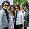 Miley Cyrus y los Jonas Brothers graban juntos un tema