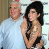 Mitch Winehouse presentará un programa en la BBC