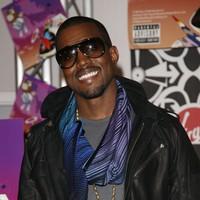 Rihanna colabora con Kanye West