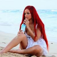 Rihanna vuelve a levantar polémica con un vídeo
