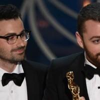 Sam Smith gana el Oscar y lo decica a la comunidad LGTB