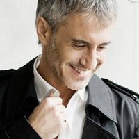 Sergio Dalma canta éxitos italianos