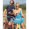 Shakira a dúo con Carlos Vives en 'La Bicicleta'