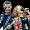 Shakira reaparece en emotivo concierto de Alejandro Sanz