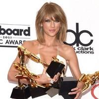Taylor Swift arrasa en los Premios Billboard 2015 y estrena 'Blad Blood'